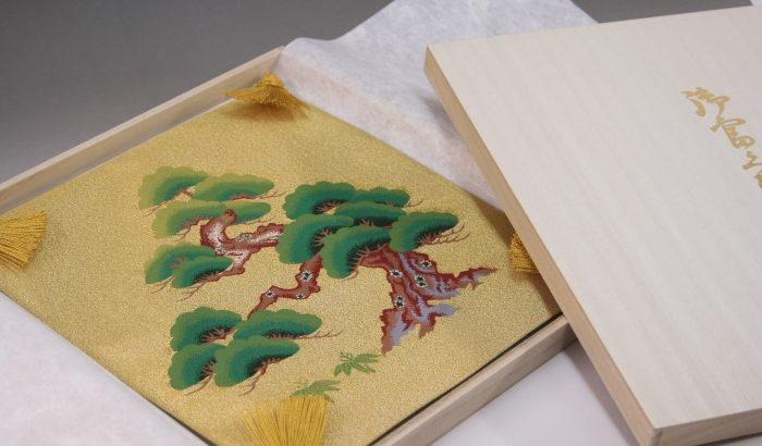 掛袱紗(加茂川綴れ)は息をのむような美しさ