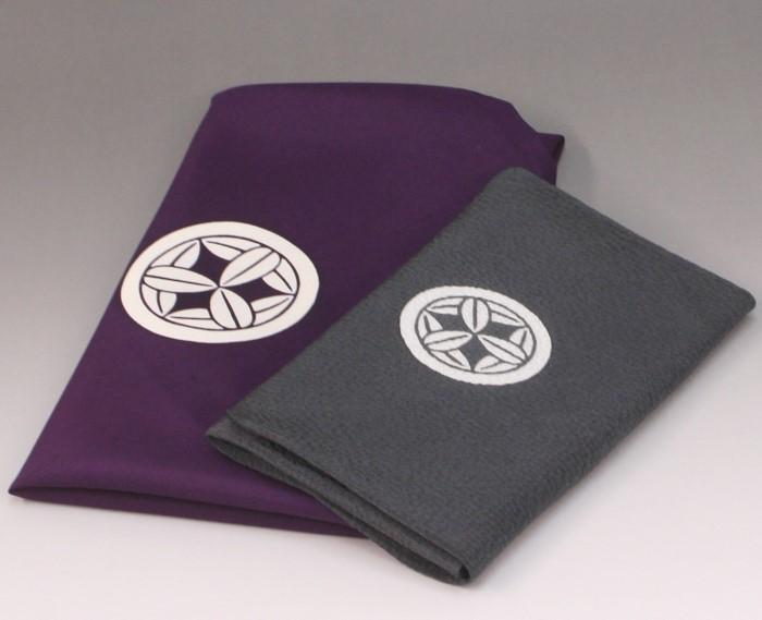 風呂敷「古代紫」と「濃鼠」